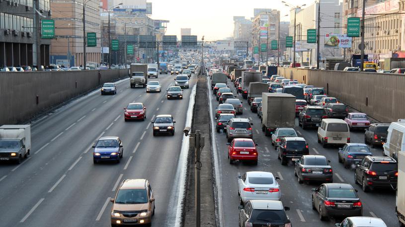 Больше половины российского автопарка - иномарки