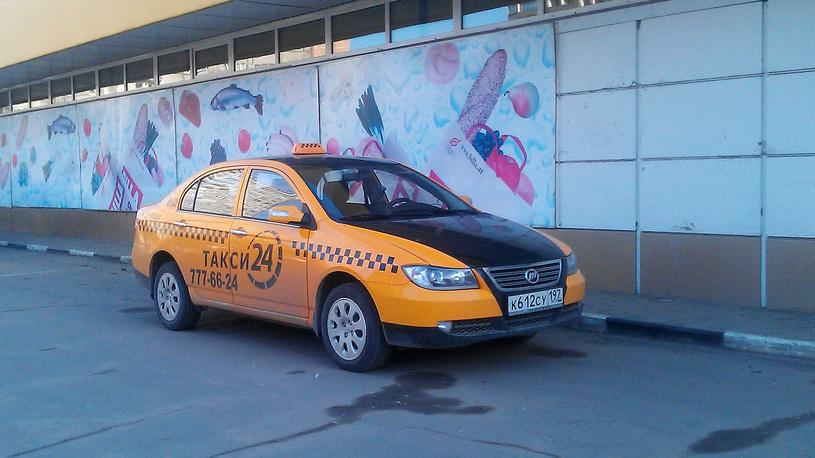 Русский язык поможет таксистам-гастарбайтерам вернуться за руль