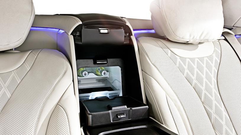 Посчитали-прослезились: встроенный холодильник Mercedes-Benz S-Класса