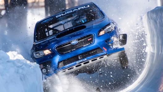 Subaru WRX STI зачем-то прокатилась по бобслейной трассе