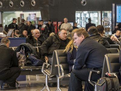Из-за сильного снегопада в Краснодаре было задержано 13 авиарейсов