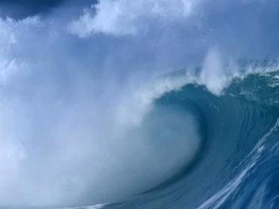 Угроза цунами в Японии снята