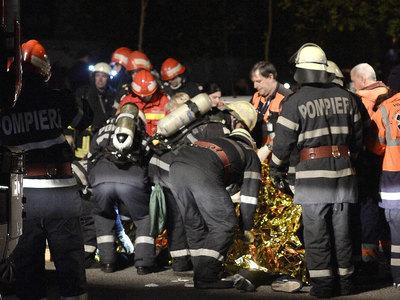 Число жертв пожара в ночном клубе Бухареста возросло до 44 человек