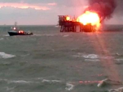Найдено тело девятой жертвы пожара на каспийской нефтеплатформе