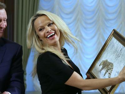 памела андерсон кремле спасение животных десятки селфи личный