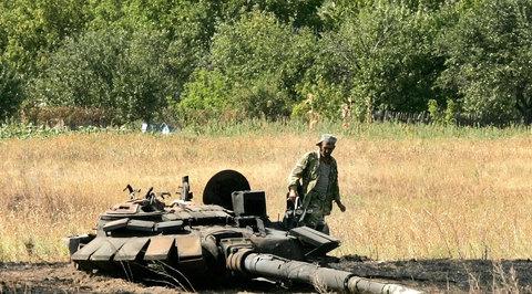 Жители ЛНР отремонтировали для своей армии более 50 единиц украинской техники