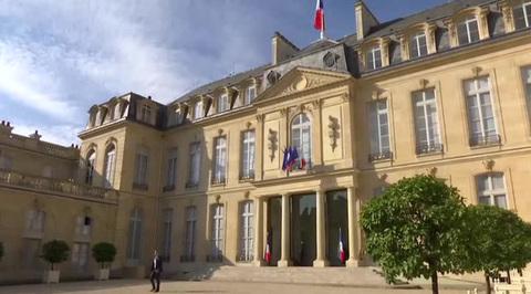 Парламент Франции узаконил электронную слежку за частными лицами