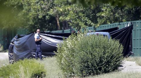 Теракт во Франции: у преступника могли быть сообщники