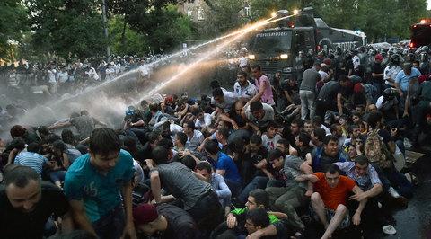 Полиция будет восстанавливать порядок в Ереване