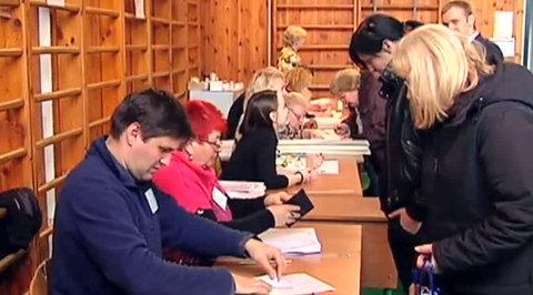 Подтасовки на выборах: в Киеве выясняют происхождение лишних бюллетеней