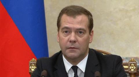 Медведев заговорил по-украински из-за