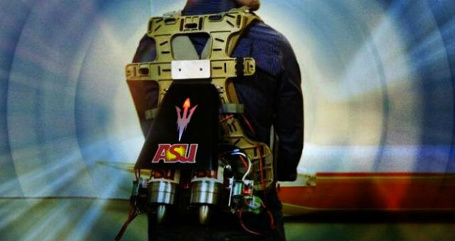 Вес ранца составляет 5 килограммов, которые не чувствуются при беге (фото Arizona State University).