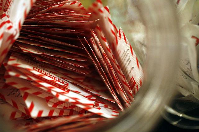 Заменитель сахара может быть вреднее для фигуры, чем сам сахар (фото Wikimedia Commons).