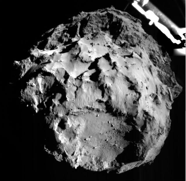 Снимок ядра кометы, полученный с инструмента ROLIS, спускаемого модуля