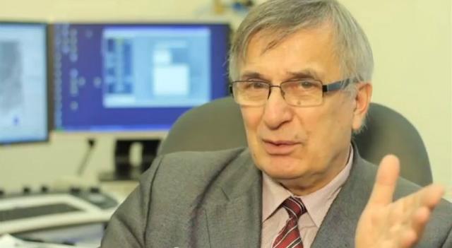 Виктор Гроховский, охотник за метеоритами (фото с сайта metronews.ru).