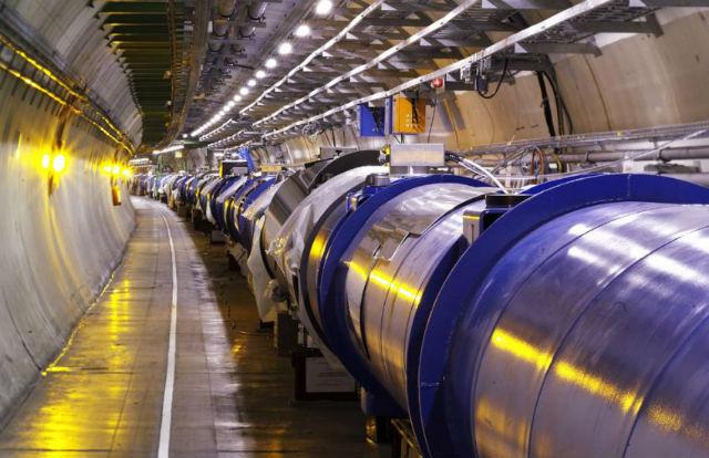Энергию БАКа увеличивают до 14 ТэВ, что сделает возможным обнаружение миниатюрных чёрных дыр (фото CERN).