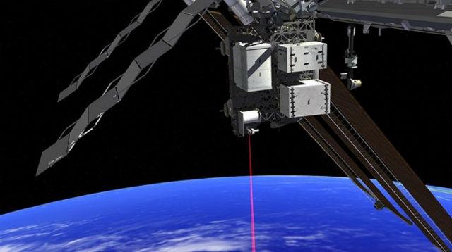 Система OPALS в действии в представлении художника (иллюстрация NASA JPL).