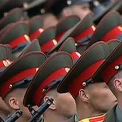 Солдаты армии РФ спели песню Barby Girl