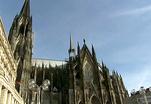 Кельнскому собору угрожает метрополитен