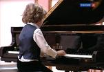 Рояль Николая Петрова передали Центральной музыкальной школе