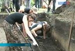 Студенты из России и Казахстана участвуют в раскопках памятника
