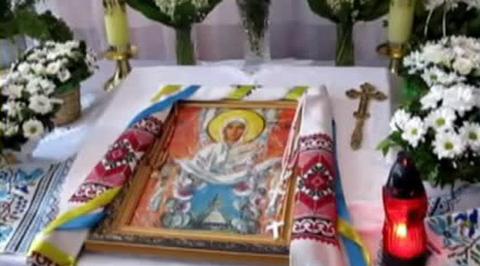 В Галичине 26 школьников упали в обморок у иконы, молясь за мир