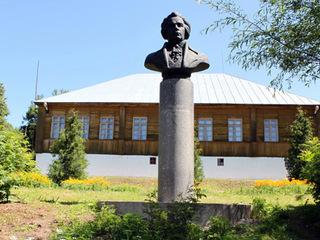 Землю музея-усадьбы Андрея Болотова хотят распродать под жилые застройки