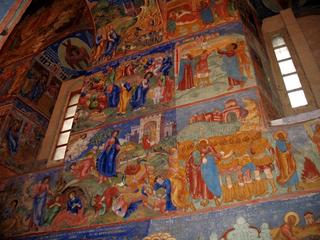 В Суздале на стенах Спасо-Преображенского собора открыли фрески Гурия Никитина