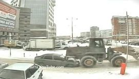 Трактор на дороге: зрелищные представления