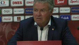 Гус Хиддинк начал свою работу в сборной Голландии с неожиданного поражения