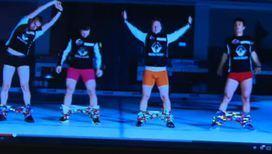 Норвежские спортсмены нашли необычный способ надевания штанов