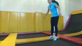 За час прыжков на батуте можно похудеть на полтора килограмма