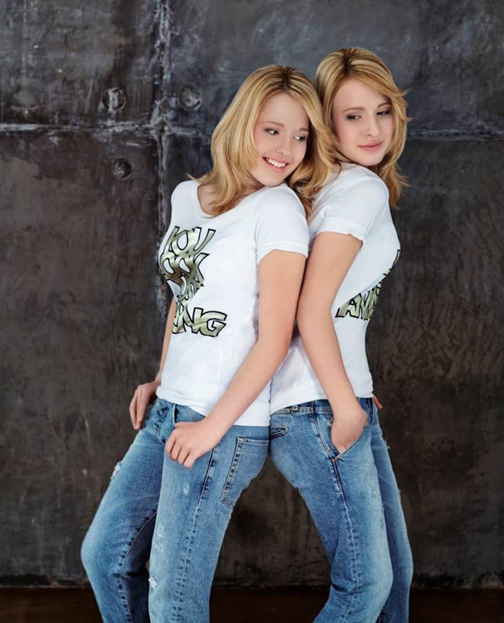 Сестра в джинсах фото 17 фотография
